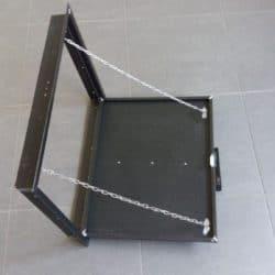 drzwiczki wentylacyjne metalowe
